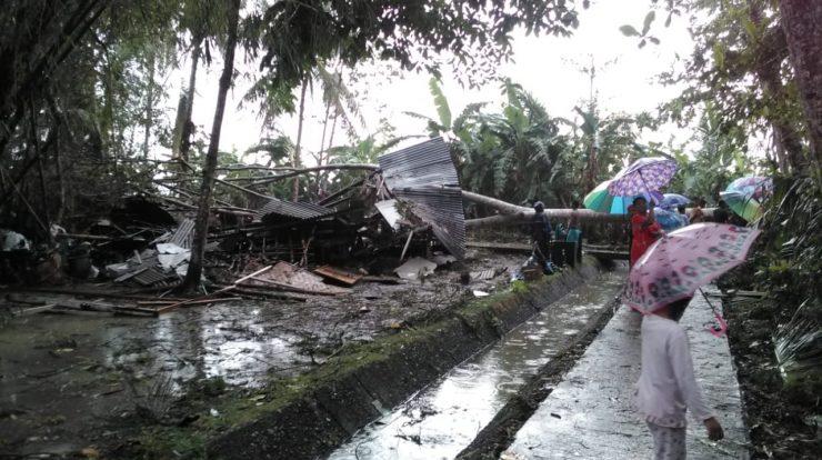 Rumah Roboh Akibat Hujan